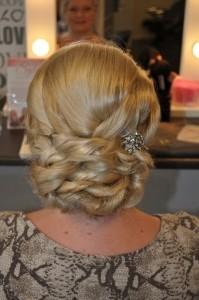 bruidskapsel spaanse knot
